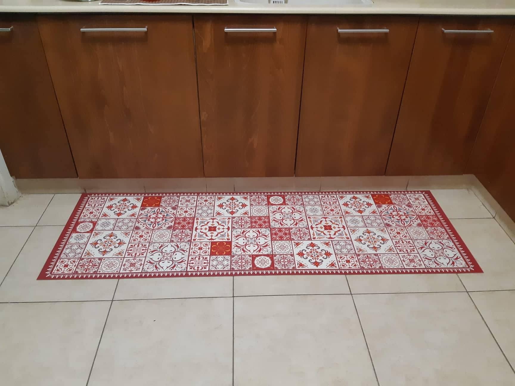 שטיח פי וי סי דגם אותנטי אדום