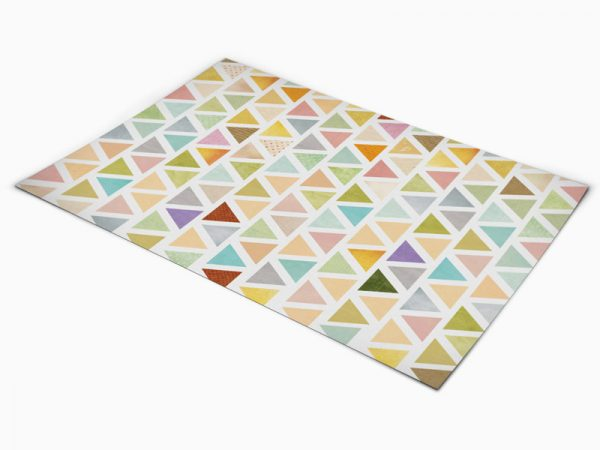 שטיח פי וי סי למטבח דגם משולשים צבעוניים