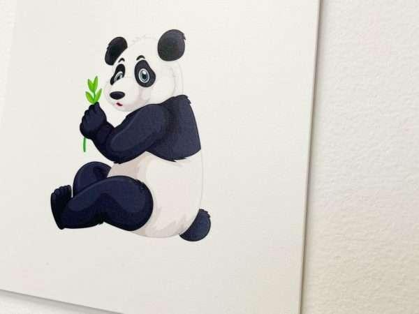 תמונת קיר לחדר ילדים בעיצוב פנדה